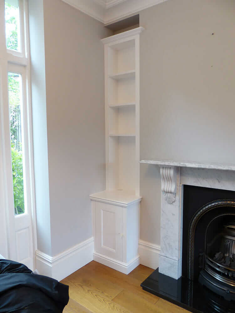 Traditional fitted alcove furniture