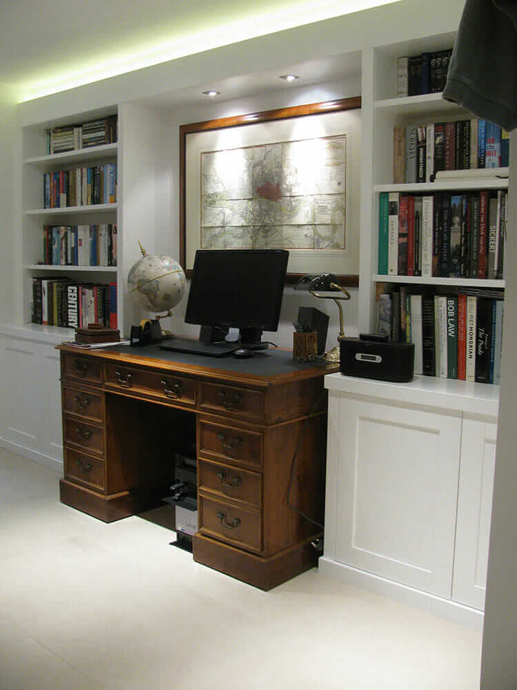 Shaker style fitted alcove furniture